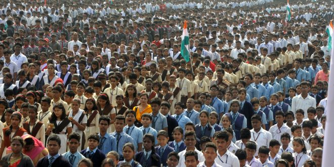 Whole atmosphere turned Patriotic when 50,000 school students started singing 'VANDE MATARAM' in chorus