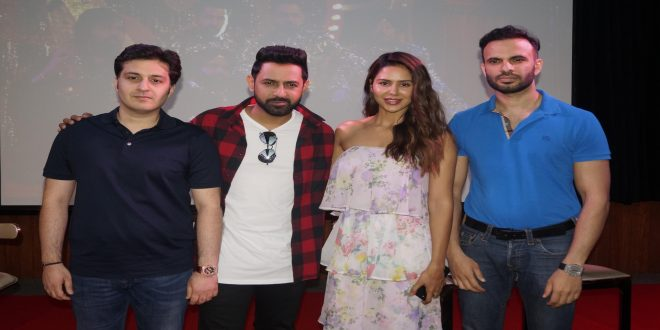 Gippy Grewal & Sonam Bajwa promotes their upcoming film Carry on Jatta 2