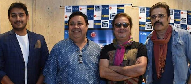 Vinay Pathak & Manoj Pahwa witnessed in Delhi for promotions of upcoming comedy flick 'Khajoor Pe Atke'
