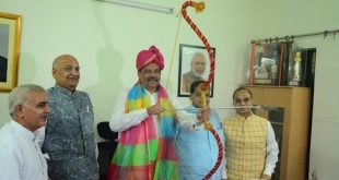 Vijay Sampla-Union Minister of State is all set to play Himavan in 'LuvKush Ramleela' this Year!