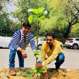 On 67th Birthday of Home Minister Rajnath Singh, 67 plants planted by Manoj Jain & Pradeep Jain!