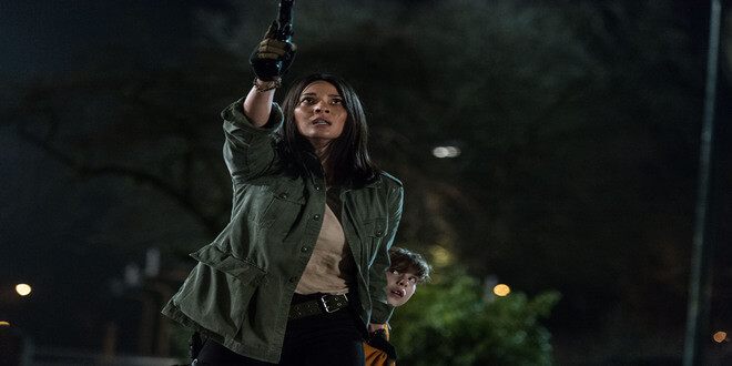 The Predator – Olivia Munn, Casey Bracket