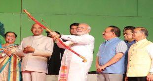 President Ram Nath Kovind & PM Narendra Modi at Luvkush Ramlila for 'Raavan Dehan'