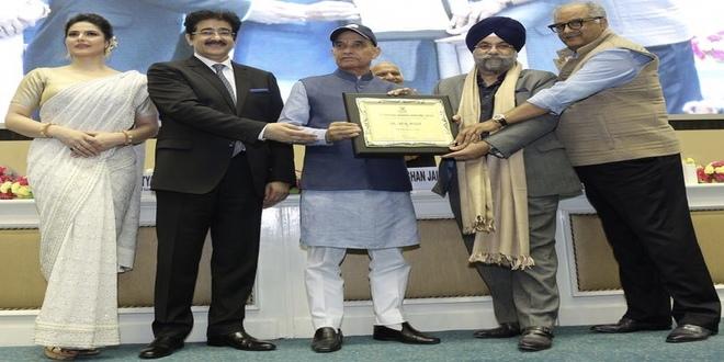 Hindi Cinema Samman Award for Raju Chadha!