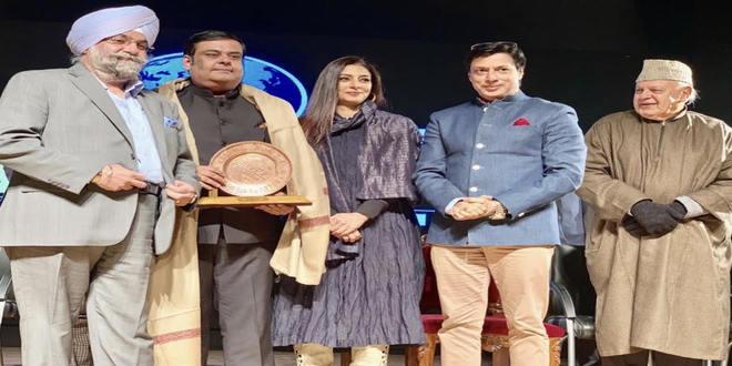 Tabu, Farooq Abdullah, Raju Chadha, Madhur Bhandarkar & Rahul Mittra opens the Kashmir World Film Festival