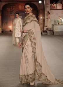 Indian Couture Week 2019: Kriti Sanon looks gorgeous as she walks the ramp for Designers Shyamal and Bhumika