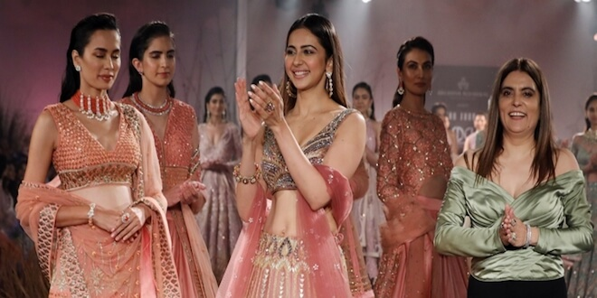 Indian Couture Week 2019: Rakulpreet Singh turns a modern bride as she walks the ramp for Reynu Tandon