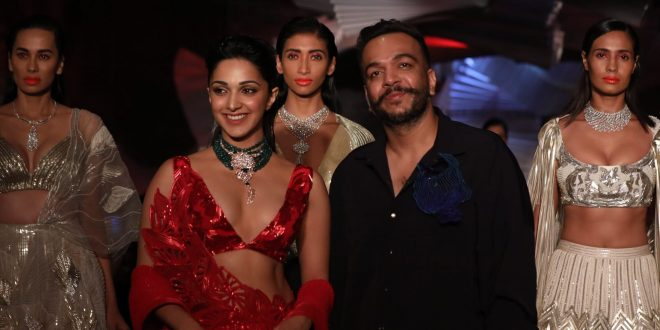 Kiara Advani and Amit Aggarwal showcasing at FDCI India Couture Week 2019