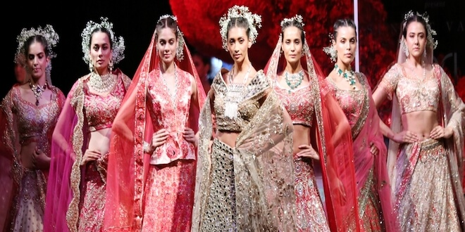 Couturier Suneet Varma showcased his collection at FDCI India Couture Week 2019