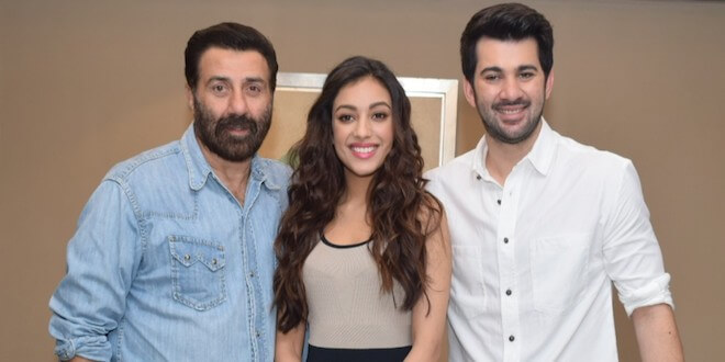 Sunny Deol, Karan Deol and Sahher Bambba Witnessed Promoting Pal Pal Dil Ke Paas Movie in Delhi