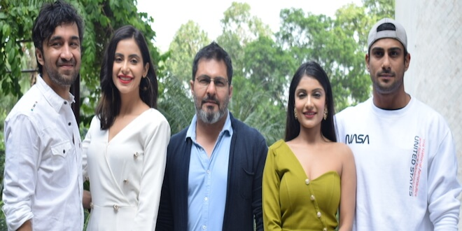 Yaaram Starcast Spotted in Delhi for the Movie Promotions