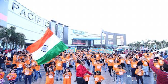 Delhi witnessed the Biggest kindness flashmob