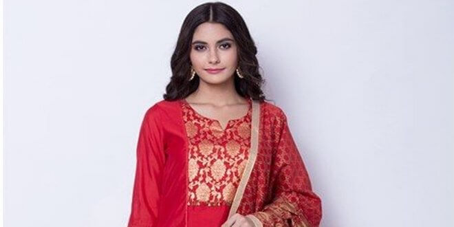 Celebrate this Christmas with Rangriti with new red collection.