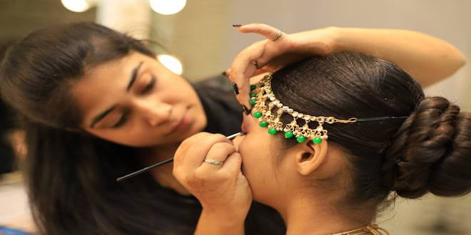 Expert Aashmeen Munjaal shared Vanity tips at her Bridal Show for this wedding season!