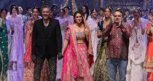 Sara Ali Khan Wows on the Ramp at the Blender's Pride Fashion Tour