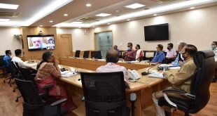 Union Minister holds meeting with Association of Film Producers, Cinema Exhibitioners and Film Industry representatives