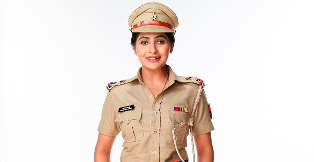 """Gulki Joshi (Haseena Mallik in Sony SAB's Maddam Sir) """"This Independence Day, I would like to take an opportunity to salute the Indian Army, Police Officers, Doctors and everyone else to have dedicated their services towards this country. According to me, they are the real heroes and have been fighting for the safety and security of our country. Independence Day is the day when we recognize the gallant efforts of the heroes of this country. The least we can do is respect them for all that they are doing to keep us safe. It gives me immense pleasure to have got an opportunity to portray the role of a Police officer in Sony SAB's Maddam Sir and we are extremely proud to air special episodes for Independence Day this year."""" """"During our childhood, we would attend the Independence Day celebration that would take place in our building and all of us used to eagerly wait to celebrate the day in school too as we used to be treated with some delicious sweets after the flag hoisting ceremony. Like every year, this year too there will be flag hoisting in our building but with all safety and social distancing measures in place."""" Yukti Kapoor (Karishma Singh in Sony SAB's Maddam Sir) """"Every year on Independence Day I wear India's flag on my shirt with pride while I go to work. I know it's a small gesture as compared to all the contribution made by our frontline heroes such as Doctors, members of Indian Army and everyone else who is working towards the safety of the country. This day is dedicated to every such individual and I believe every civilian should take a moment this August 15thand thank them for their efforts."""" """"Every year there is a celebration in our society but this year it's going to be different keeping all the safety measures in mind. However, I would like to invite the audiences to watch Maddam Sir on Sony SAB as we are bringing some special episodes to celebrate Independence Day this year."""" Dev Joshi (Baalveer in Sony SAB's Baalveer Returns) """"It's truly inspiring """