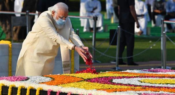 PM Narendra Modi pays tributes to Mahatma Gandhi on his Jayanti at Rajghat