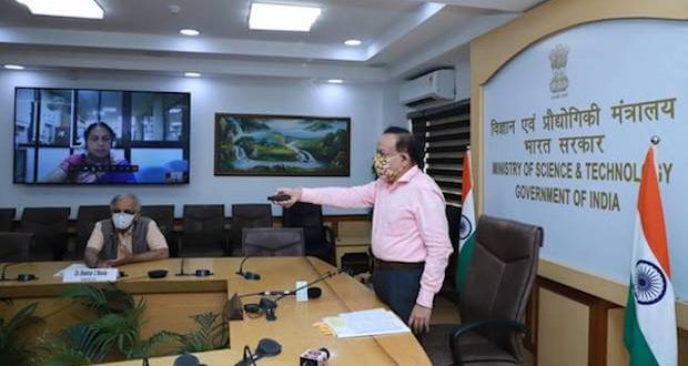 "Union Minister Dr. Harsh Vardhan launches eco-friendly , efficient and DME fired ""Aditi Urja Sanch"" Unit at CSIR-NCL, Pune"