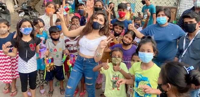 Tulsi Kumar's special gesture for kids this Diwali!