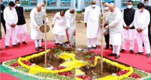 Union Home Minister Amit Shah began tree saplings plantation program today at nine different places in Ahmedabad by planting a tree at Sindhu Bhavan Road in Gandhinagar Lok Sabha constituency